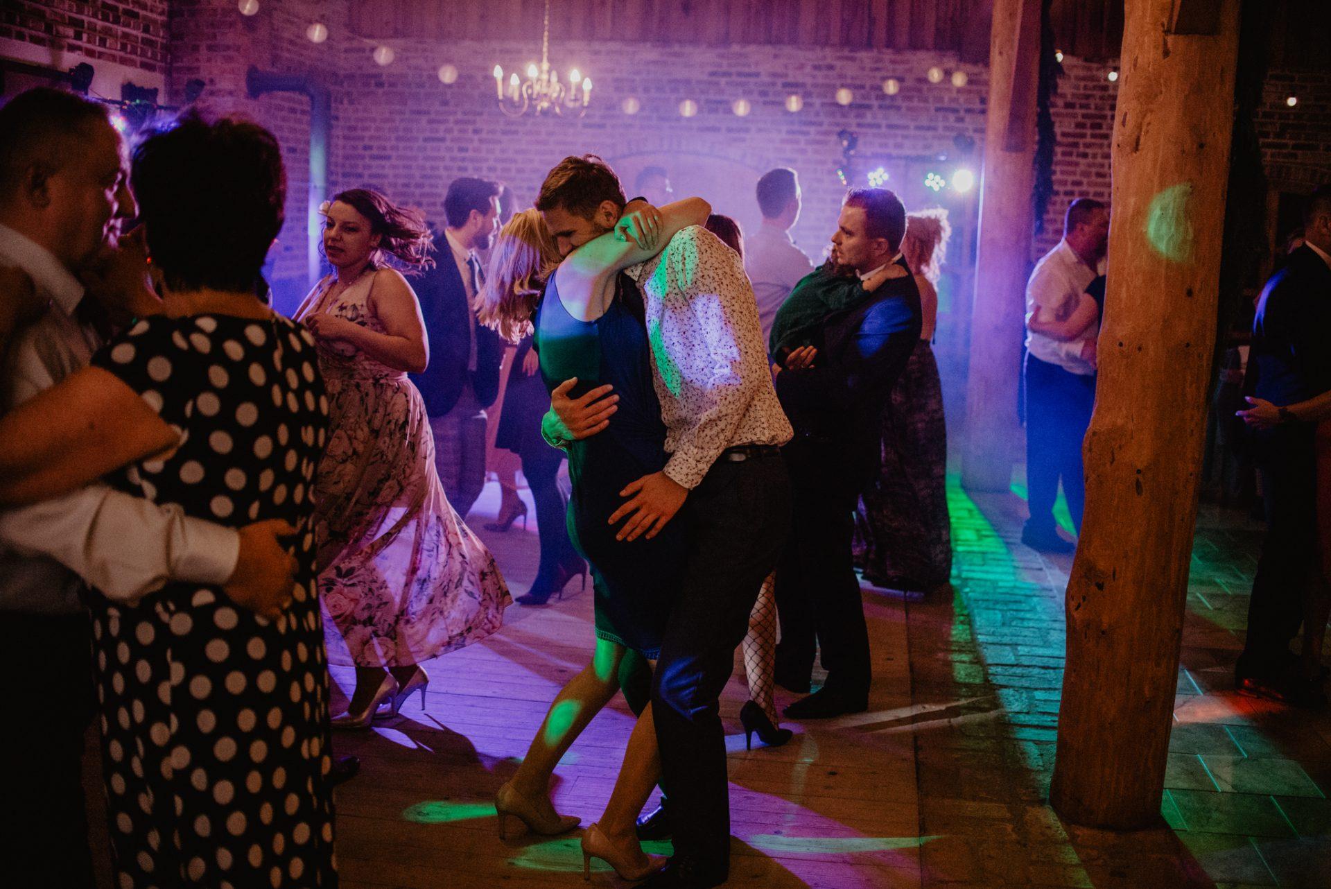 Ślub w Stodole Celinka Fotografia Ślubna